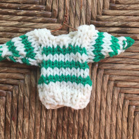 Handmade tiny sweater xmas ornament, knitted mini sweater in white with green stripes, old-fashioned christmas, gift topper stocking stuffer