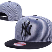 NY Yankees Striped Classic Snapback - Limited Edition 002121