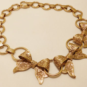 Vintage Gold Tone Dauplaise Necklace