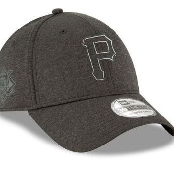 MLB Pittsburgh Pirates New Era Black 2018 Clubhouse Collection Classic 39THIRTY Flex Hat