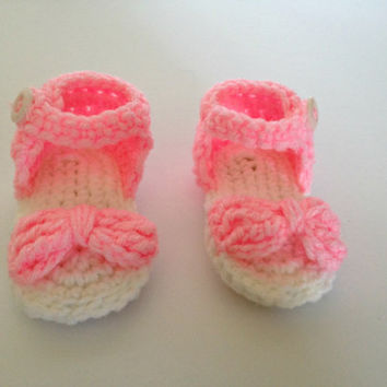 crochet baby sandal, baby girl sandal, pink baby shoe, newborn sandals, newborn booties, infant sandal, crochet baby shoes, baby girl shoes