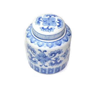 Blue and White Ginger Jar Asian Ginger Jar Blue White Jar Vintage Chinese Pottery Chinoiserie Decor