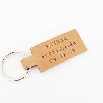 Father of the bride gift Father of the groom gift with wedding date - Dad wedding gift leather keychain keyring - Wedding gift for dad