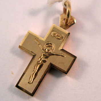 Vintage 14k Gold Cross Pendant with Jesus