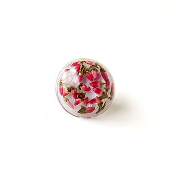 Heather Lapel Pin, Resin Cabochon Flower Pin,  Pressed Flowers Resin Lapel Pin, Flower Jewelry, Heather Jewellery, Resin Jewelry, UK (1867)