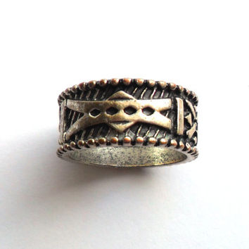 Vintage Cigar Band Ring Boho Tribal Ethnic Worn Look Silver Tone Gypsy Style Size 8 Abstract Arrow Design