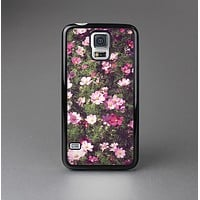The Vintage Pink Floral Field Skin-Sert Case for the Samsung Galaxy S5
