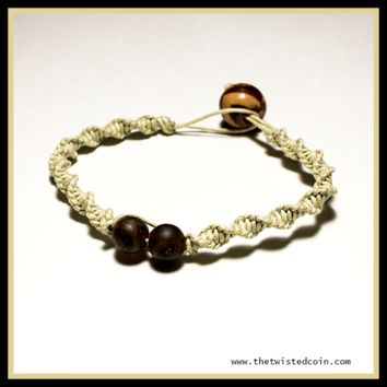 Micro-Macrame Spiral Bracelet with glass beads and wooden closure bead - Size 7