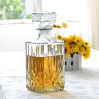 800 mL Whiskey or Wine Glass Decanter