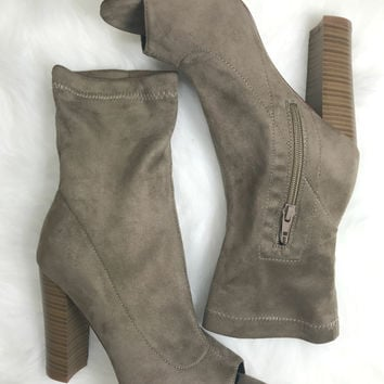Empire State Taupe Heels