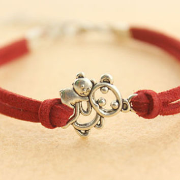 mother love bracelet--lovely bear family bracelet,antique silver charm bracelet,bright red leather bracelet,fastival gift,MORE COLORS