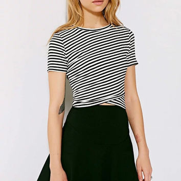 Black Stripe Wrap Front Crop T-shirt [6240899396]