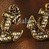 Retro Vintage Fashion Anchor With Golden Diamond Cute Earrings - One Pair