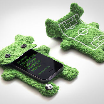 Fluffy Cellphone Case for iPhone 5 & Galaxy S2 - Fellfische - Football Edition