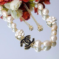 Chanel Woman Fashion Logo Flower Pearls Necklace