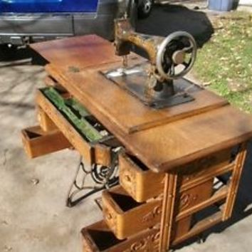 antique, vintage singer sewing machine 1908 D series with 7 drawer desk