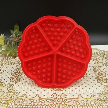 1Pcs Heart-shaped Waffles Mould 5-Cavity Bundt Oven Muffins Cake Pan Silicone Mould Baking Tools Bakeware Kitchen Accessory