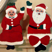 Santa Claus Mrs Claus Wood Shelf Mantel Sitter Christmas Ardi Hansen Pattern Handmade Pair Set of Sitters Holiday Decor Jolly Ole Saint Nick