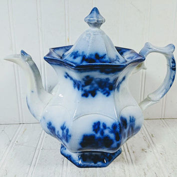 Flow Blue Tea Pot Large Blue & White Porcelain Coffee Pot Antique China Service Asian Scenic Floral Design Ceramic Pottery Pitcher with Lid
