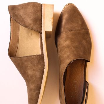 Freya Shoe (Brown)