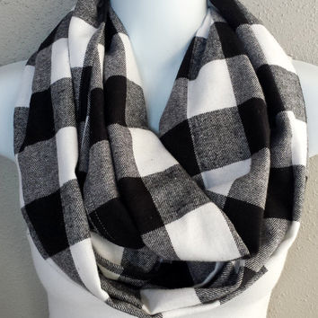 Black & White Buffalo Plaid Infinity Scarf Womens Winter Plaid Scarves Girls Fashion Plaid Circle Scarves Black and White Plaid Gift for Her