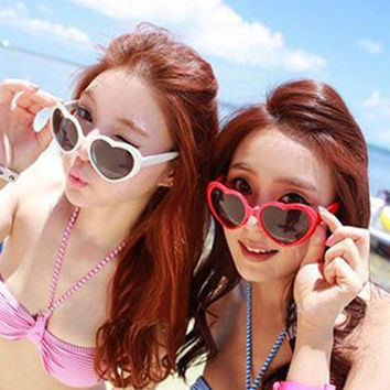 Free Shipping New Summer  Love Heart Shaped Sunglasses Goggles Sun Glasses For Women Childen Boy Girl Baby Brand Designer