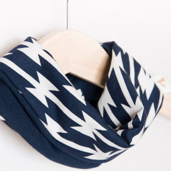 Baby scarf bib in Navy blue. Baby gift. Baby infinity scarf look.  Heavy drooler bib. 100% cotton. Baby, teen, adult. Marine blue