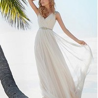 Buy discount Elegant Tulle V-neck Neckline Sheath Wedding Dress at Dressilyme.com