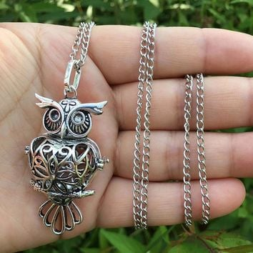 Retro Owl Necklace Sliver Hollow Necklace Sponge Aromatherapy Diffuser