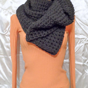 Chunky Tee Circle Cozy Scarf Collar Cowl Graphite Gray Color Unisex READY tO SHIP