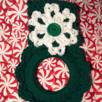 Snowflake kitchen towel holder, Christmas towel hanger, hand crochet, Christmas decoration, party favor, game prize, gift idea, handmade