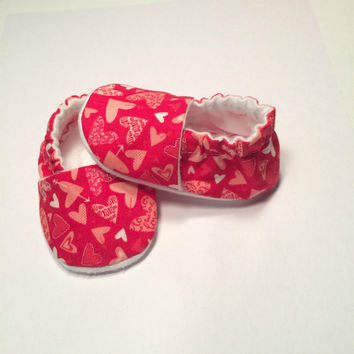 Valentines Day Shoes - Newborn Baby Slippers - Shower Gift - Newborn Baby Booties - White Heart Booties