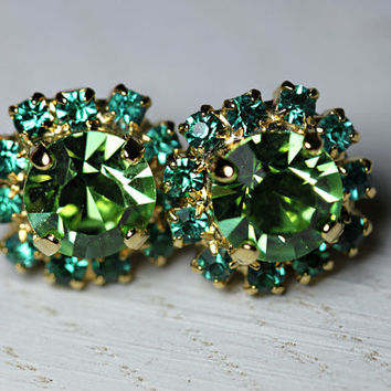 Mothers Day Sale! Emerald Green Swarovski crystal stud earrings,Rhinestones stud earrings,Gold earrings,Crystal earrings,Bridesmaid gifts