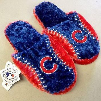 Chicago Cubs Logo Plush Bedroom Slippers   MLB NEW