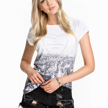 Fifth Ave Tee, River Island