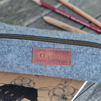 Felt  Pencil Case Zipper  - Grey Pen Holder - Small Cosmetic Bag - Crayon Holder - Cognac Leather and Grey Felt