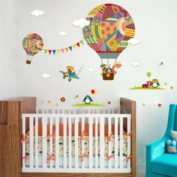 colorful flying Hot Air Balloon Nursery Room Decor wall sticker Giraffe children 's room cartoon classroom Wall Decals Poster