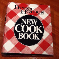 "Vintage collectible Better Homes & Gardens ""New Cook Book"" Copyright 1981 Meredith Corp. in Des Moines, Iowa"