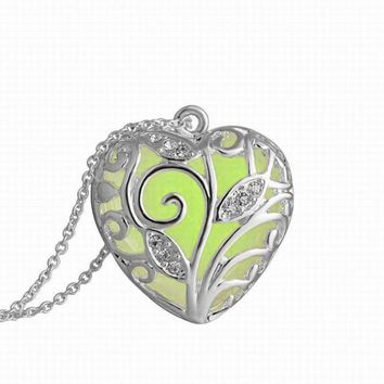 Magical Green Tree Heart Glow In The Dark Pendant Necklace Gift