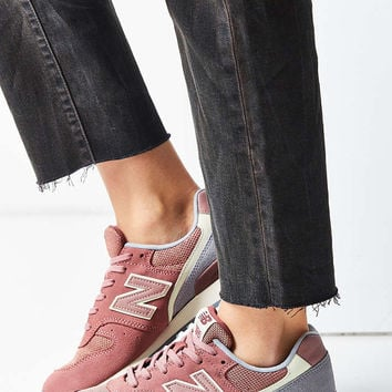 New Balance 696 Winter Seaside Running Sneaker - Urban Outfitters