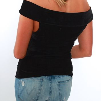 Cupcakes and Cashmere, Haili Off the Shoulder Top in Black