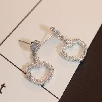 ONETOW New fashion silver heart-shaped earrings female models diamond earrings