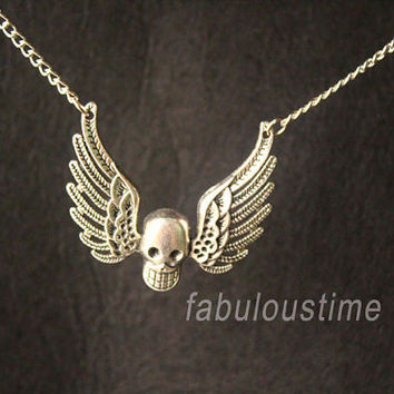 skull necklace,retro silver skull with wings,alloy necklace,SUPER COOL---N118