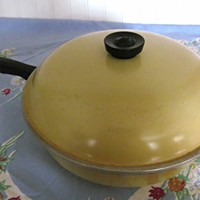 Harvest Gold Club Skillet Frying Pan with Lid
