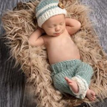 Adorable Newborn Baby Prop Hat Crochet Knit Outfit. Set of pants and hat - CCC308
