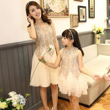 CREYWQA 2016 family look dress matching mother daughter dresses clothes mom and daughter dress princess wedding dress mommy and me