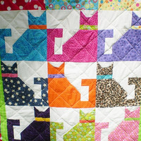 Modern Baby quilt-Baby cat quilt-Patchwork crib quilt-Play mat-Baby boy or girl bedding-Lap quilt-kitten quilt,bright color-Calico baCats