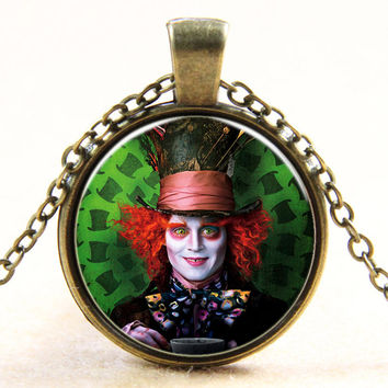 Fashion new vintage steampunk style Alice in Wonderland Mad Hatter glass dome art photo chain pendant necklace jewelry for women