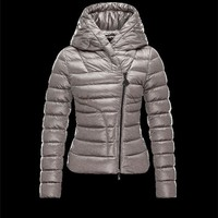 Moncler GAUBE V-Neckline Fixed Hood Grey Jackets Polyester/Synthetic Womens 41456771IF