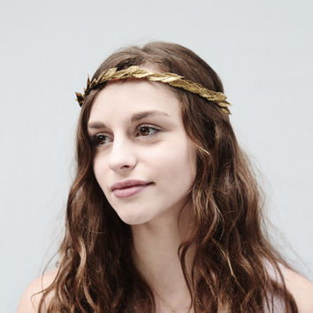 Delicate Gold Leaf Crown, Minimal Leaf Crown, Unisex, Greek Goddess Crown, Gold Leaf Headpiece, Simple Laurel Leaf Crown, Bridesmaid Gift